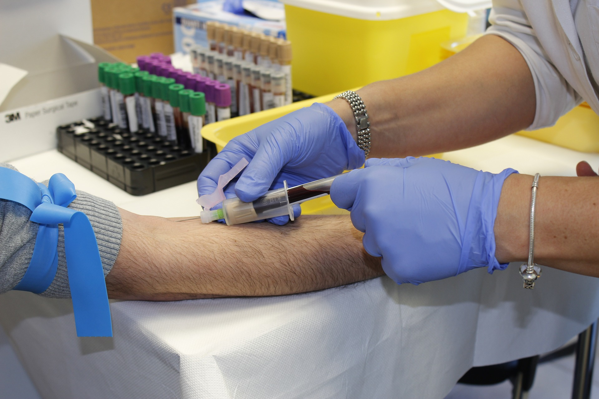 Tips and tricks to stay cool and calm during a blood test